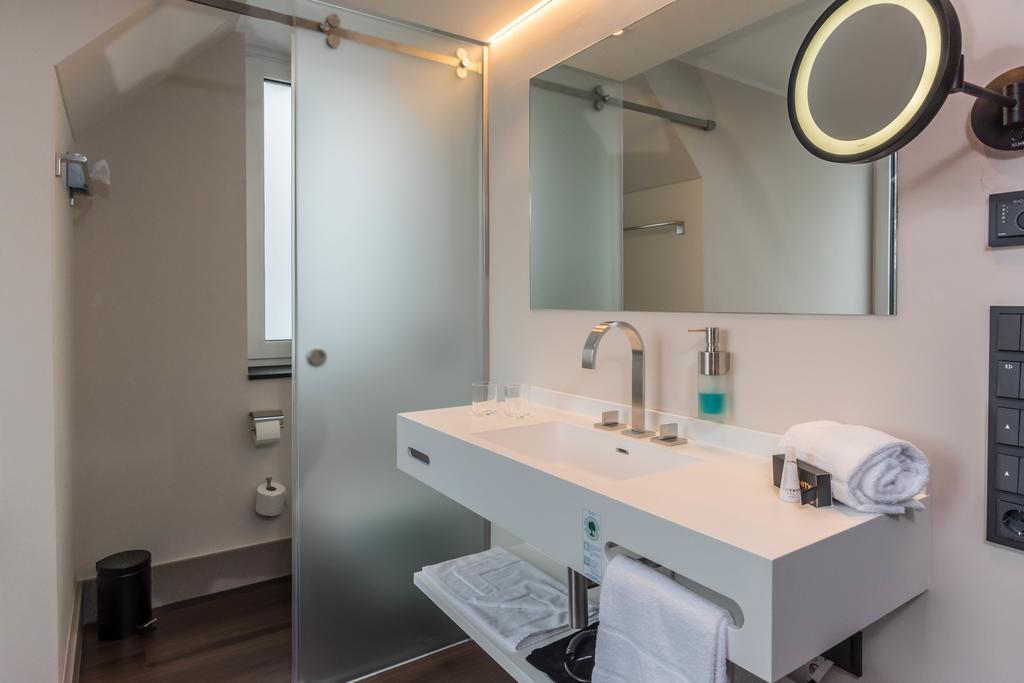 hotel plumbing
